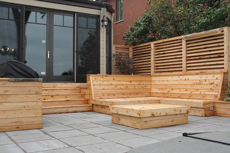 Outdoor wood bench - Modern Decking Montreal Montreal Outdoor Living