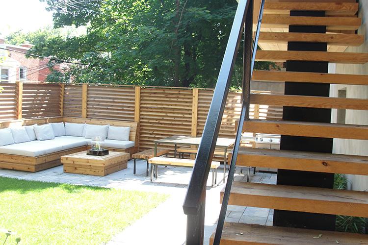 Minimalist pine steps montreal outdoor living for Cloture de piscine montreal