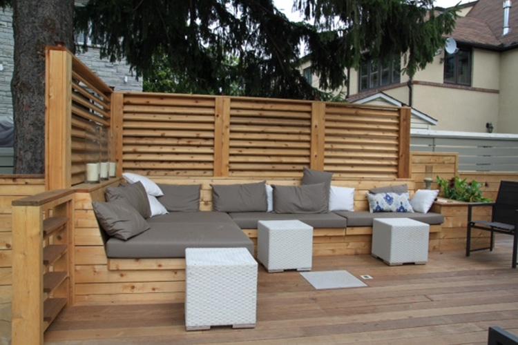Montreal Outdoor Living Terrasse Et Patio Urbains Pour Une Cour Arriere A Hampstead