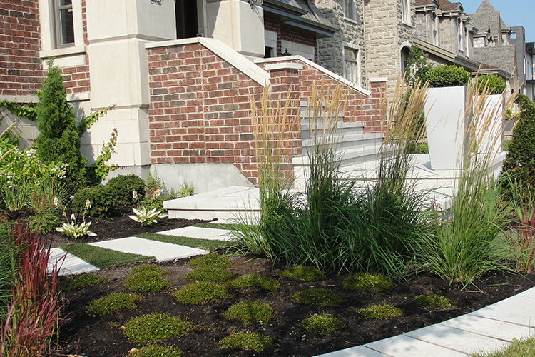 Aménagement paysager moderne et jardin à Ville St-Laurent ...