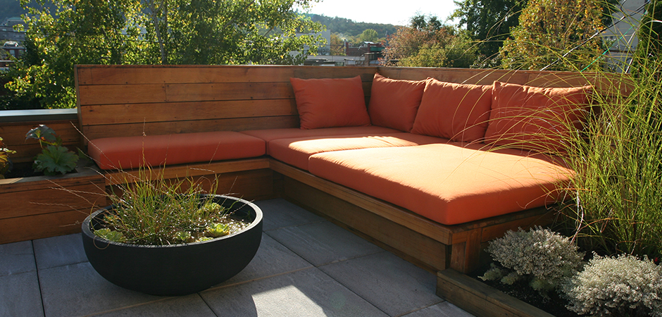 Modern rooftop terrace in outremont montreal outdoor living for Decking terrace garden