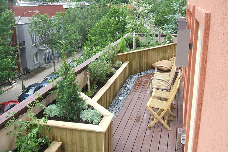 Roof deck plateau mont royal 04 montreal outdoor living for Recouvrement galerie exterieure