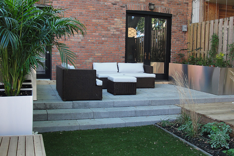 Modern urban backyard in old montreal montreal outdoor Modern backyards