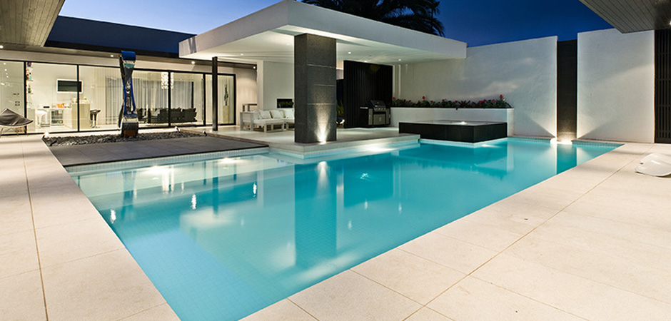 Modern outdoor room addition pool ideas montreal for Swimming pool room ideas