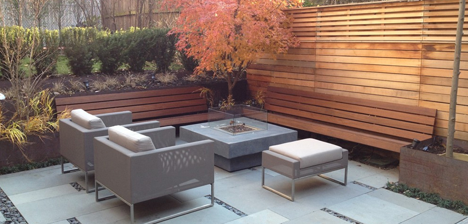 Modern patio landscaping in outremont montreal outdoor for Contemporary backyard landscaping ideas