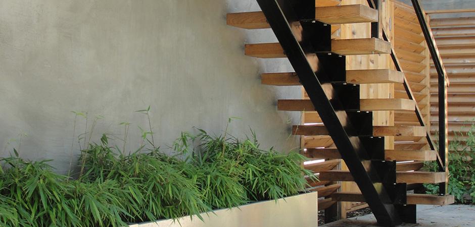 Minimalist Pine Steps 01